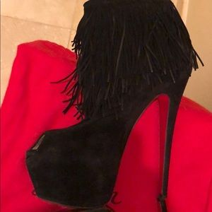 CHRISTIAN LOUBOUTIN SZ 39 RARE SUEDE TASSEL BOOTS